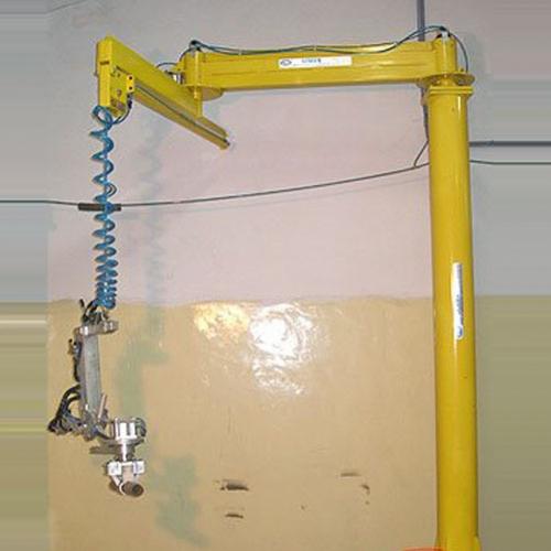 Seman apresenta o equipamento braço biarticulado