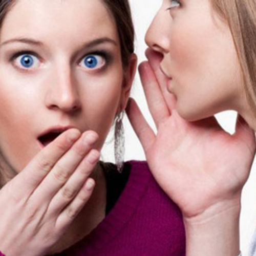 Sabe aquela pessoa irritante, mas que está sempre nas suas conversas?