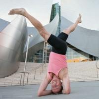 Yoga combate sintomas de esclerose múltipla